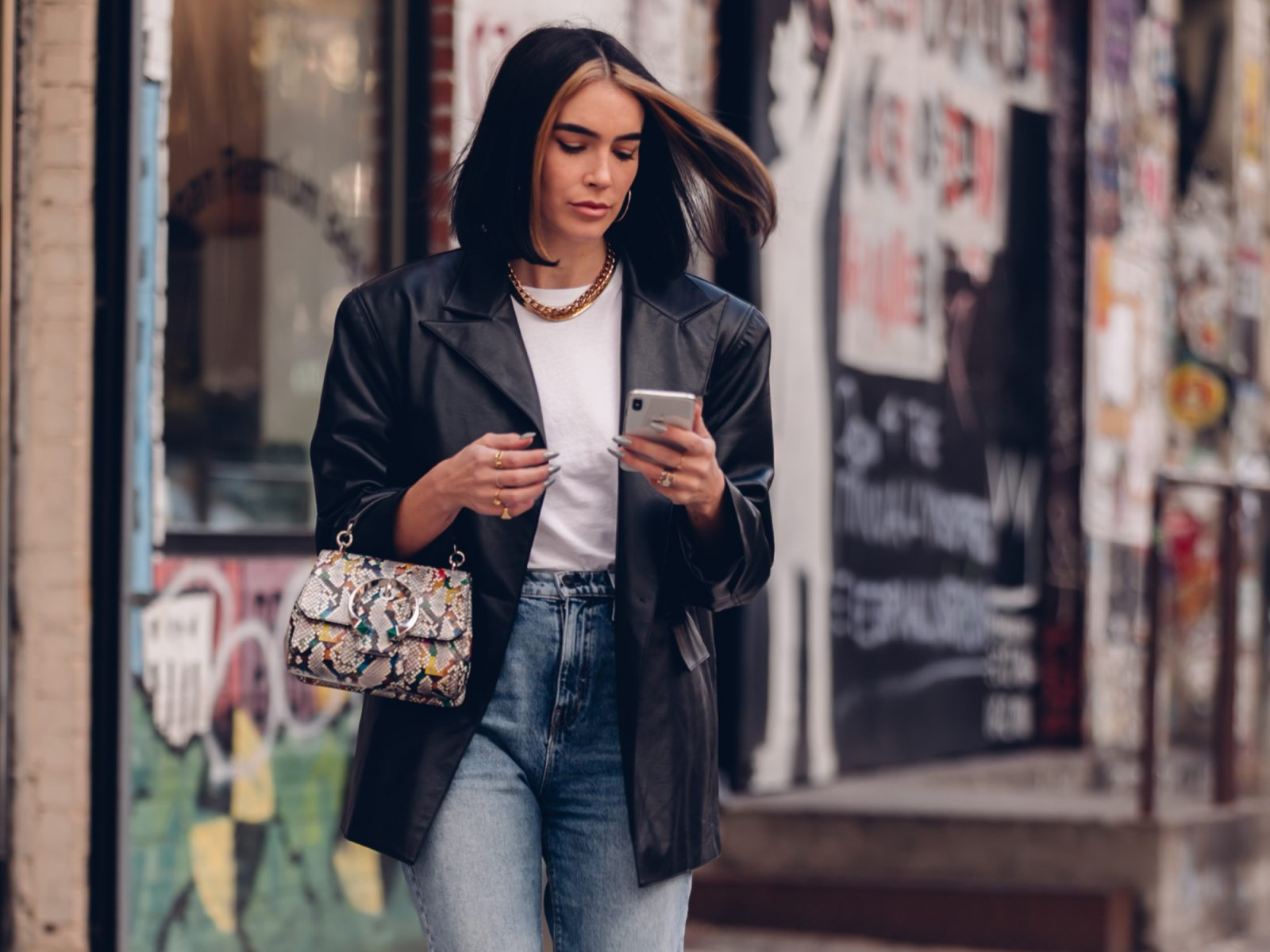 Fashion Apps That Will Help You Pass Time At Home